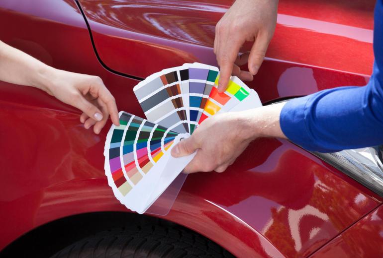 Naprawy lakiernicze nadwozia. Zasady doboru koloru
