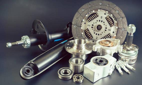 Oryginalne czy zamienniki – które części do samochodu wybrać?